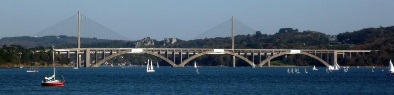 Pss photo le pont albert louppe au premier plan et les haubans du pont de - Premier pont a haubans ...