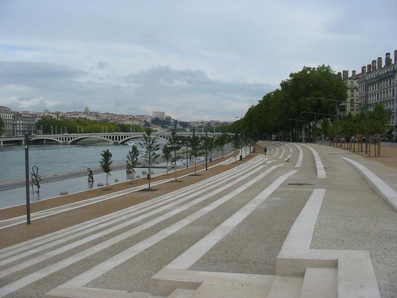 Les berges du Rhône réaménagées