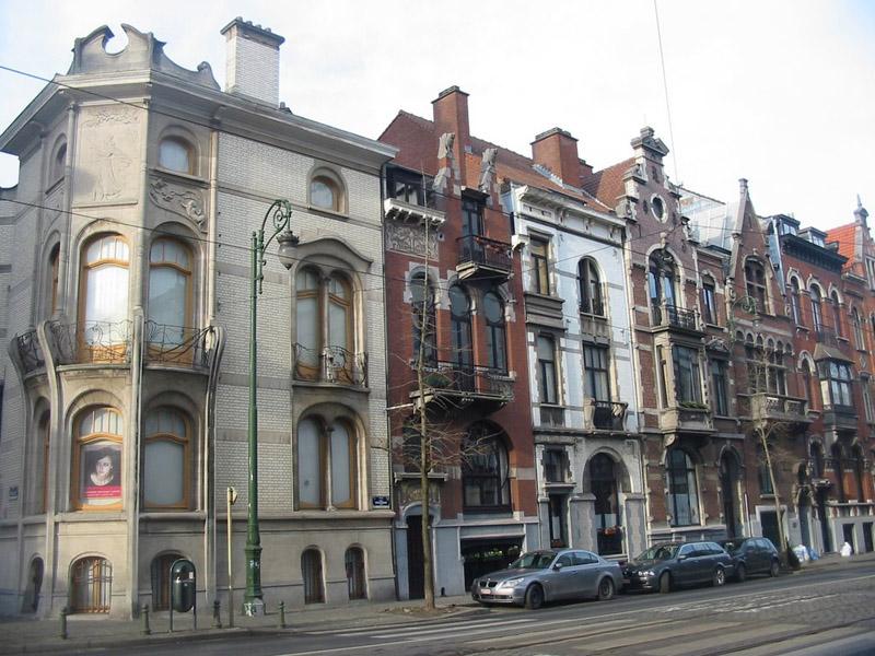 La maison Les Hiboux jouxtant l'Hotel Hanon sur Burgmannlann