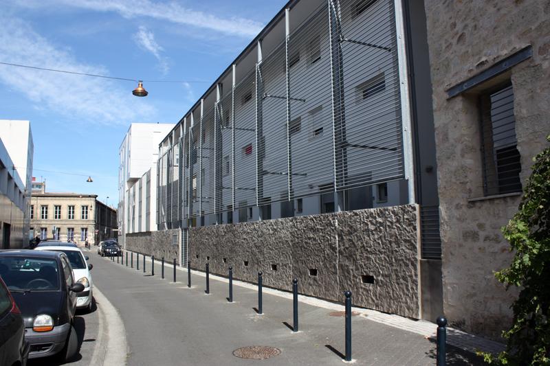 Vue depuis la rue du Faubourg des Arts