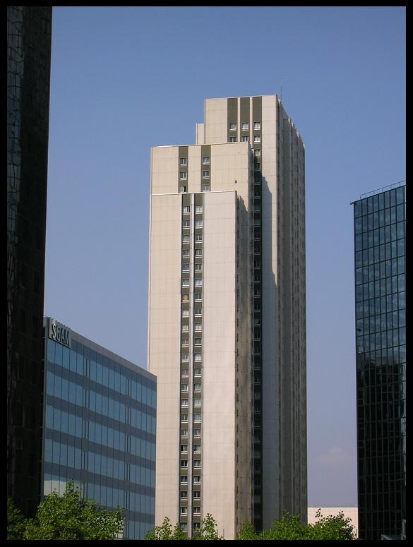 Tour Gambetta et immeubles de bureaux